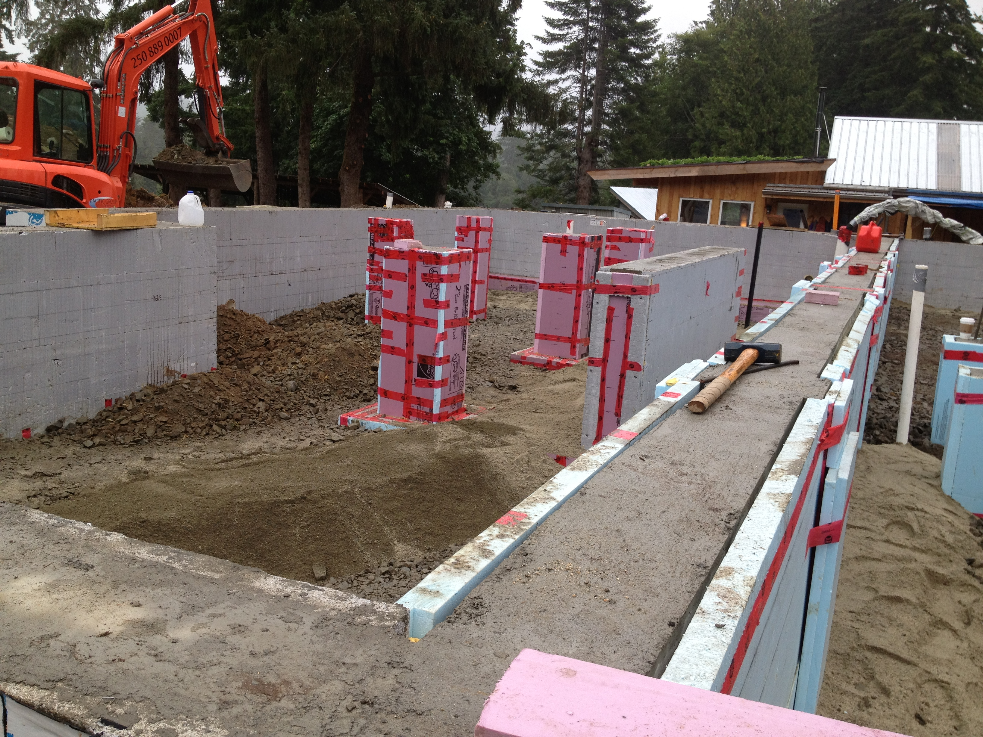 Concrete forming and finishing victoria duncan bc for Poured foundation