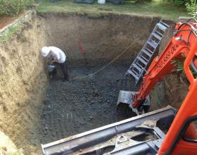 Hand finishing contaminated site excavation in Victoria BC