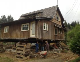 House raising for new foundation in Victoria BC